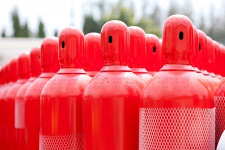 red hydrogen tank cylinders Standard-Bild