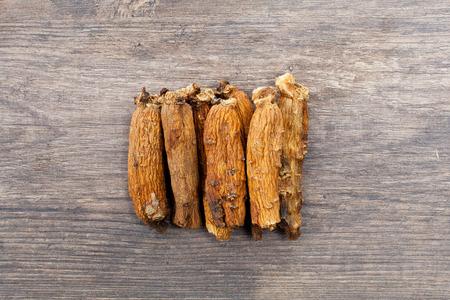 ginseng on the wood Reklamní fotografie