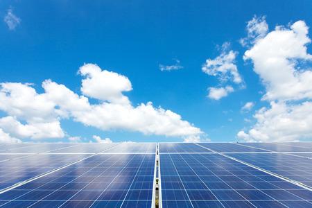 solar array: Solar power for electric renewable energy from the sun, solar farm