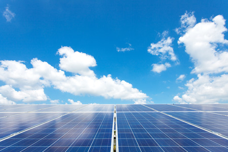 Solarstrom für Elektro erneuerbare Energie von der Sonne, Solarparks