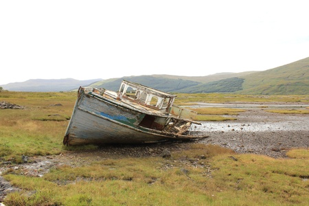 mull: Shipwreck in the Loch, Isle of Mull, Scotland Stock Photo