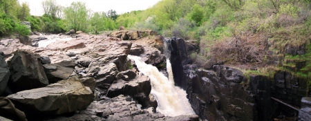 bourn: rocks and waterfalls