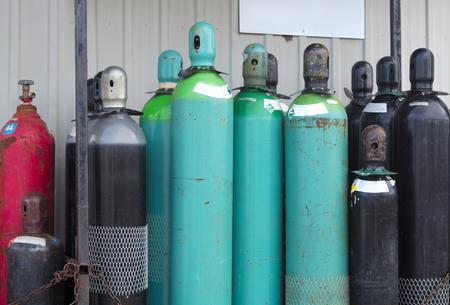 ガスのタンク圧空ボトルをリサイクルするための下で化学製品