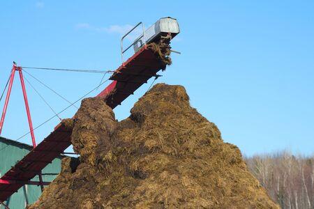 horse manure compost pile garden natural fertilisation heap farming
