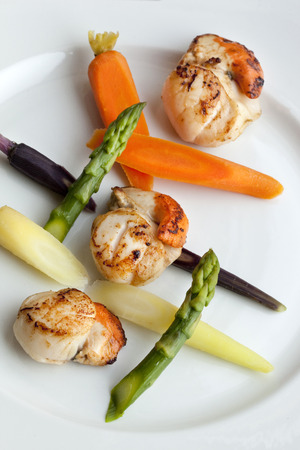 st jacques: St. Jacques scallops and vegetable