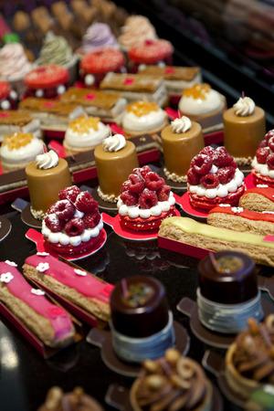 Cakes in een bakkerij Stockfoto