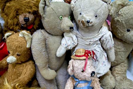 Teddy bears and stuffed animals in a flea market Banco de Imagens