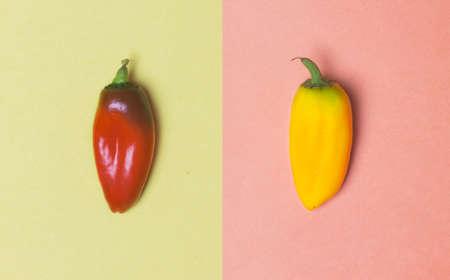 alimentos y bebidas: Amarillo y rosa en colores pastel y el fondo amarillo Foto de archivo