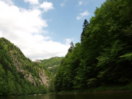 Rafting cruise through the Dunajec gorge-Poland photo