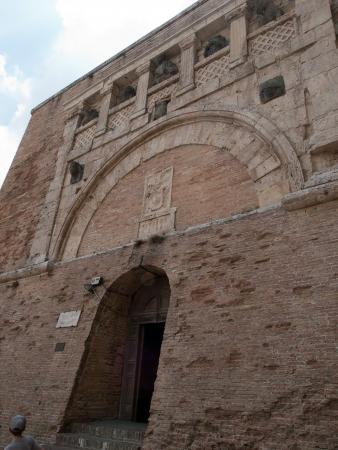 etruscan: Etruscan Porta Marzia in Perugia Editorial
