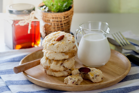 Almond cookies with milk