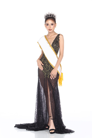 ダイヤモンド クラウン、空白のサッシ地区とロングドレスの夜ボール ガウンのミス コンテスト コンテストの完全長さファッションで髪のスタイル