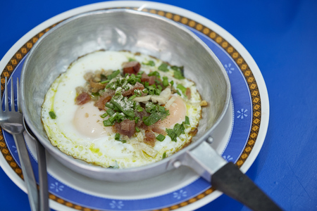 Vietnamese pan-fried egg with toppings 版權商用圖片