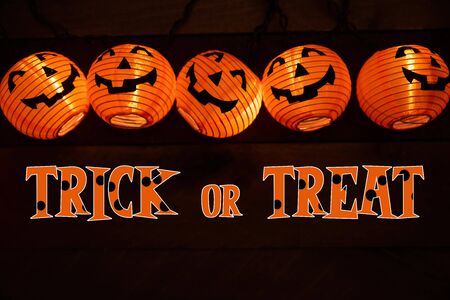 Halloween decoration and greeting with jack-o-latern lights 版權商用圖片