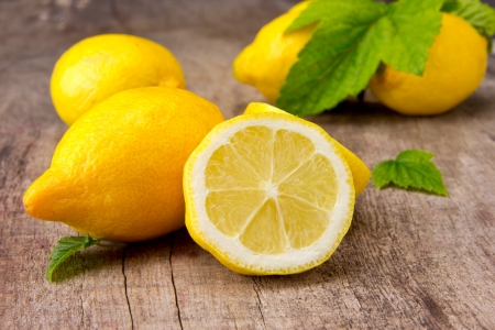 Fresh lemons Stock Photo - 14815647