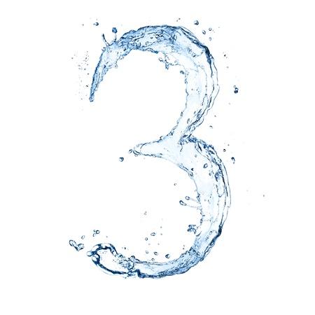 """Acqua spruzzi numero """"3"""" isolato su sfondo bianco"""