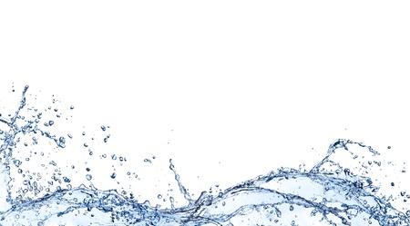 puro: Ondas de agua aisladas sobre fondo blanco