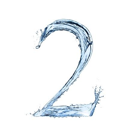 """Wasser spritzt Zahl """"2"""" auf schwarzem Hintergrund isoliert Standard-Bild - 20450076"""