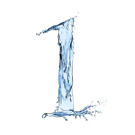 "Water spatten nummer ""1"" geïsoleerd op zwarte achtergrond"