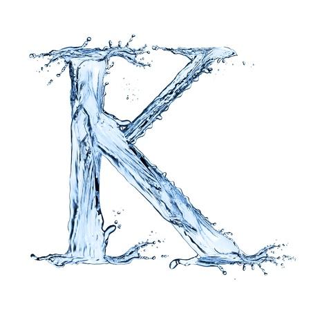 """L'eau éclabousse lettre """"K"""" isolé sur fond noir Banque d'images - 20479564"""