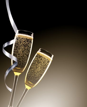 celebrate: Glasses of champagne with ribbons