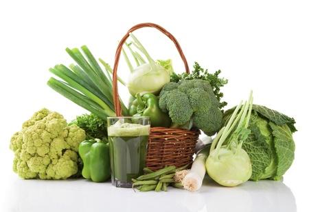 흰색 배경에 고립 된 야채의 다양 한 종류