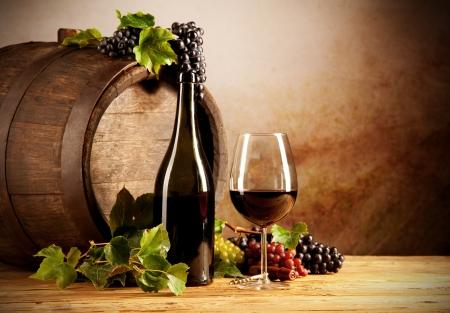 keg: Still life of wine with wooden keg