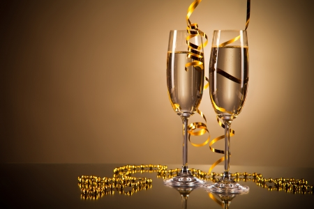 two years: Glasses of champagne with ribbons