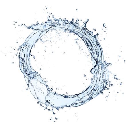 gota de agua: Círculo del chapoteo del agua, aislado en fondo blanco Foto de archivo
