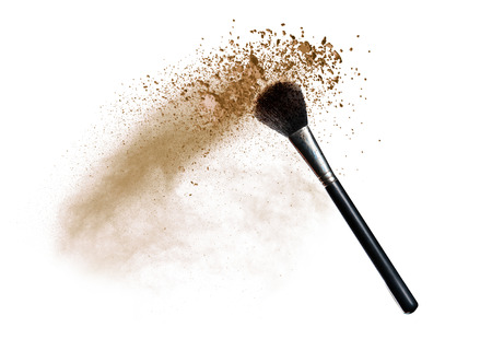 Isolated make-up powder with brush on white background Imagens