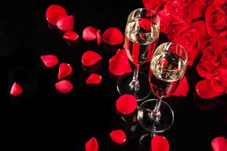 rosas rojas: Todavía de la celebración vida Foto de archivo