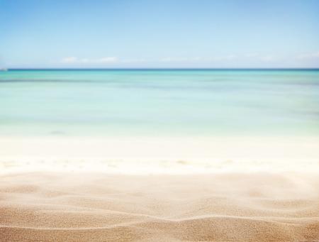 Zandstrand met onscherpte zee op de achtergrond Stockfoto - 37089390