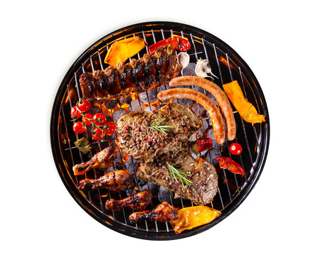 Garden grill with meat and vegetable, isolated on white background Standard-Bild