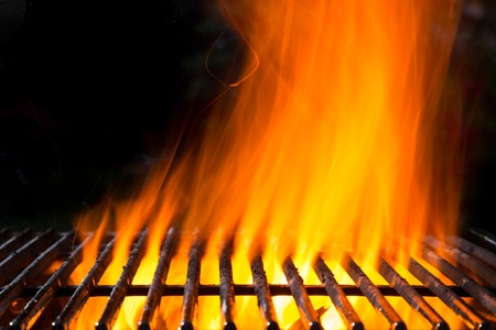 Empty grill grid with fire flames Stok Fotoğraf - 41018645