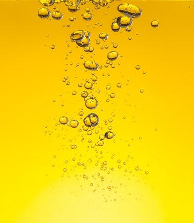 Macrofoto van oliebellen in water