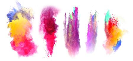 Explosions de poudre de couleur, isolé sur fond blanc