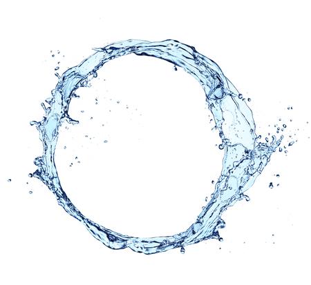 Blauwe abstracte water splash in cirkelvorm, geïsoleerd op een witte achtergrond Stockfoto