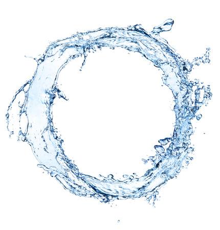 splash de agua: resumen salpicaduras de agua azul en forma de círculo, aislado en fondo blanco Foto de archivo