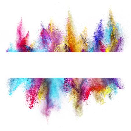 Explosion von farbigem Pulver mit leeren Raum für Text, isoliert auf weißem Hintergrund Standard-Bild