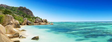 playas tropicales: Hermosa playa tropical Seychelles Anse Source D Argent en la isla de La Digue