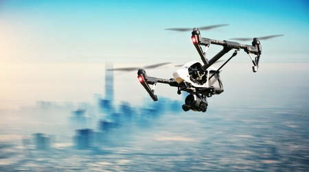 Drone vliegen aboveDubai panorama van de stad in motion blur
