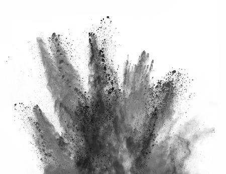 Explosie van zwart poeder, geïsoleerd op een witte achtergrond