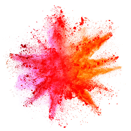 Explosion de poudre colorée, isolée sur fond blanc. Concept de puissance et de l'art, le flou abstrait des couleurs.