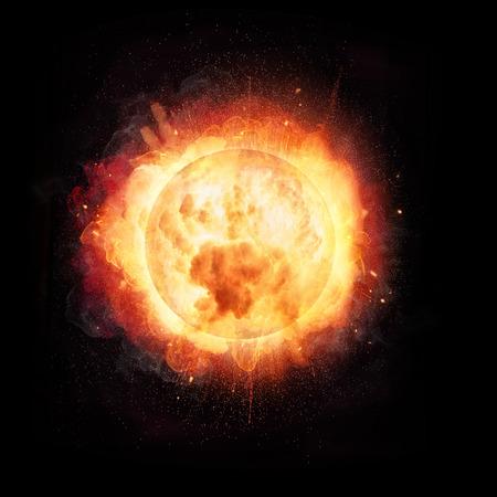 太陽の概念のような抽象的な火のボールの爆発,黒い背景に隔離 写真素材