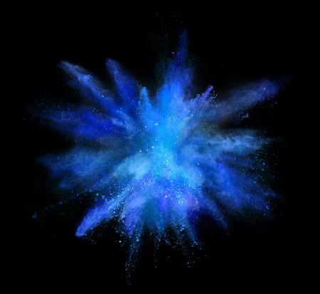 Explosion des farbigen Pulvers lokalisiert auf schwarzem Hintergrund. Abstrakter farbiger Hintergrund Standard-Bild - 107952737