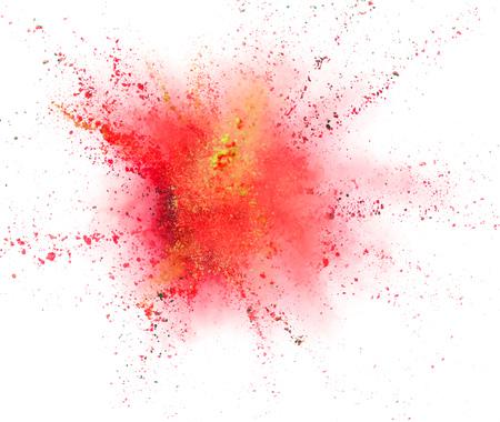 Explosion des farbigen Pulvers lokalisiert auf weißem Hintergrund. Abstrakter farbiger Hintergrund Standard-Bild - 107952756