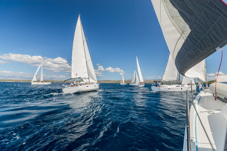 Sailing regatta yachts competition. Summer sport and recreation activities. Imagens