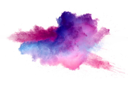 Collision de poudre colorée isolée sur fond blanc. Abstrait coloré
