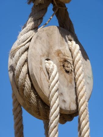 pulley: la polea y la cuerda Foto de archivo