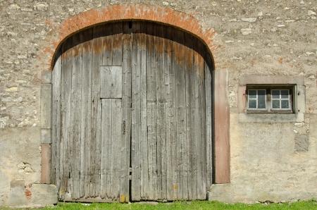 old barn door photo